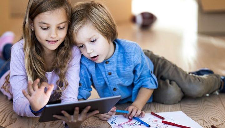 تفریح و سرگرمی کودکان در خانه در روزهای کرونایی